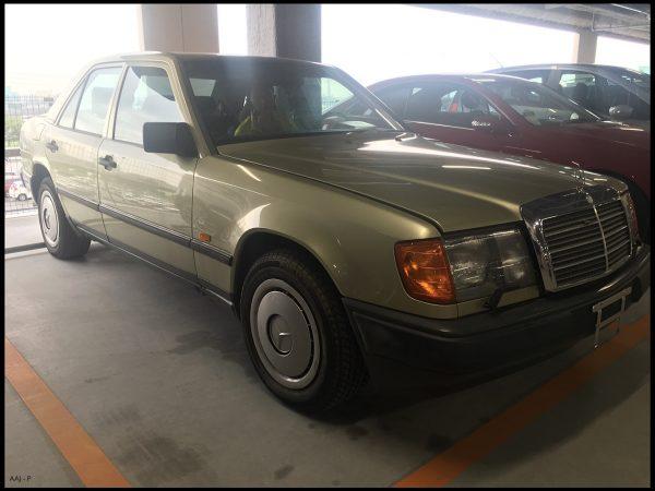 Mercedes-Benz 300E '86