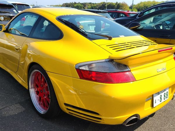 Porsche 911 Turbo – Speed Yellow